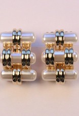 Jewelry VCExclusives: Treads Pearl & Gold