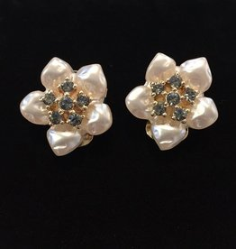 Jewelry VCExclusives: Pearl and Crystal Star Flowers