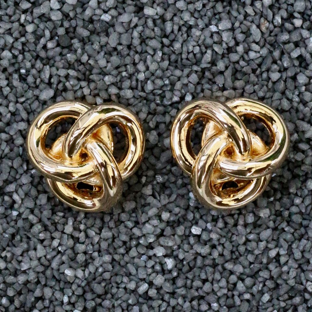 Jewelry VCExclusives: Gold Pretzels