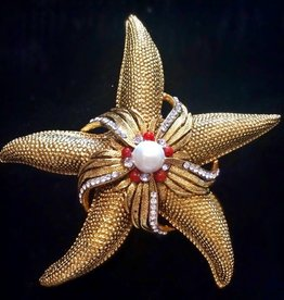 Jewelry Barrera: Coral & Crystal Starfish w/Pearl