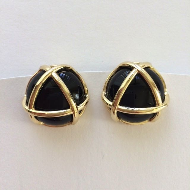 Jewelry VCExclusives: Gold Triangle / Black