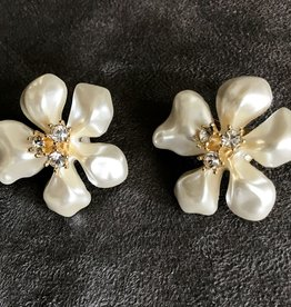 Jewelry KJLane: Flower White Pearl