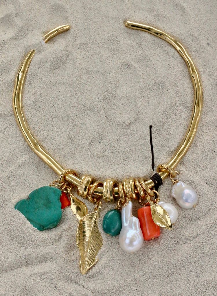 Jewelry VCExclusives:  Gold Choker w Pearl and Stones