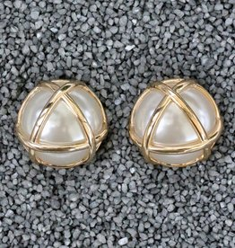 Jewelry VCElusives: Pearl with Gold Triangle
