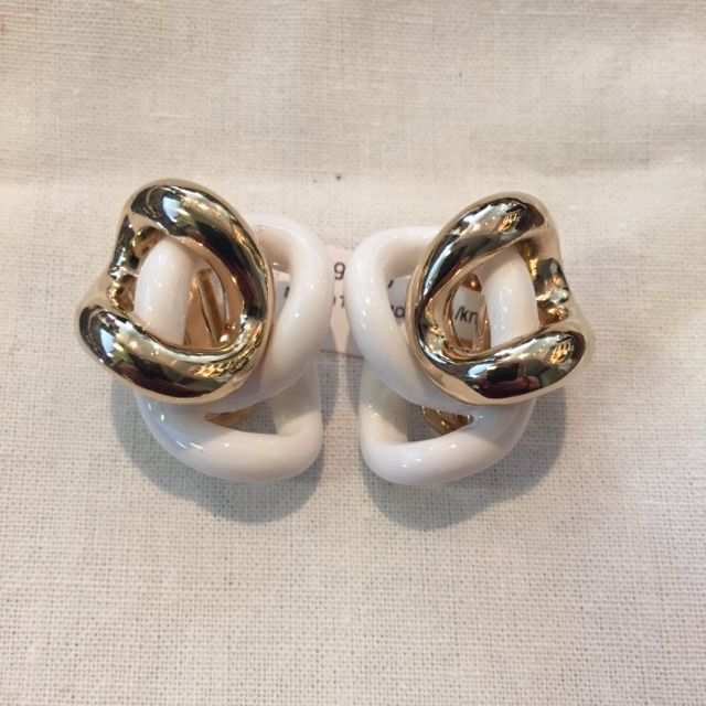 Jewelry VCExclusives: Knots / White & Gold