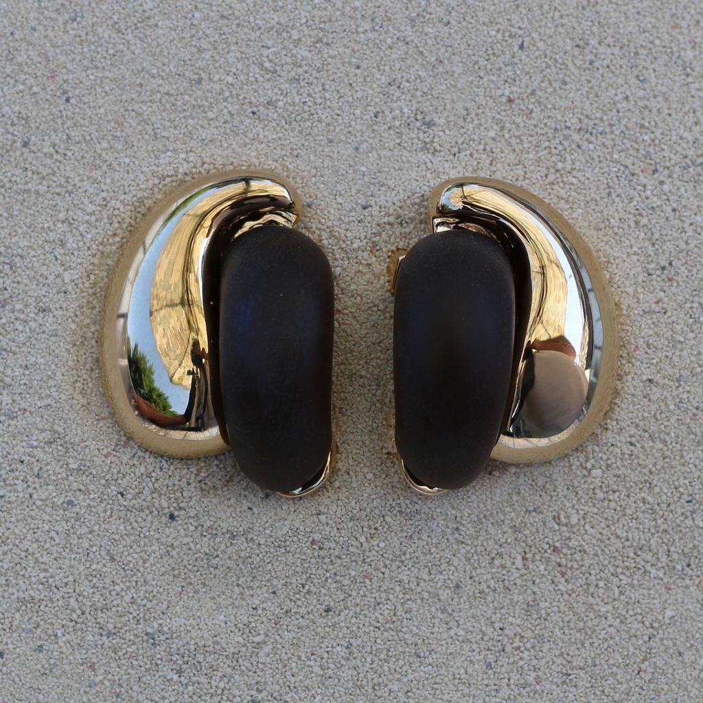 Jewelry VCExclusives: Kathleen Satin Black