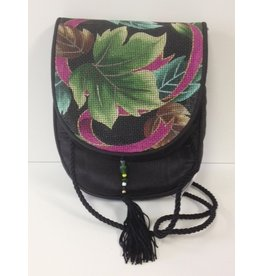 Sophia Designs Small purse with leaf stitched front