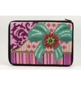 Alice Peterson Pink package makeup bag<br />
