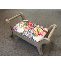 CRS Footstool with handles / white