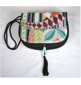 Sophia Designs Small purse - geometric design w/zip off front<br />