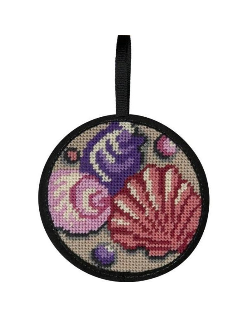 Alice Peterson Shells ornament<br />4&quot; round