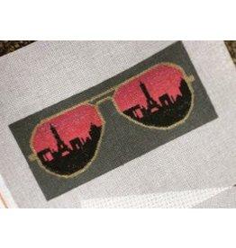 A Poore Girl Paints Eye Glass Casse - Paris