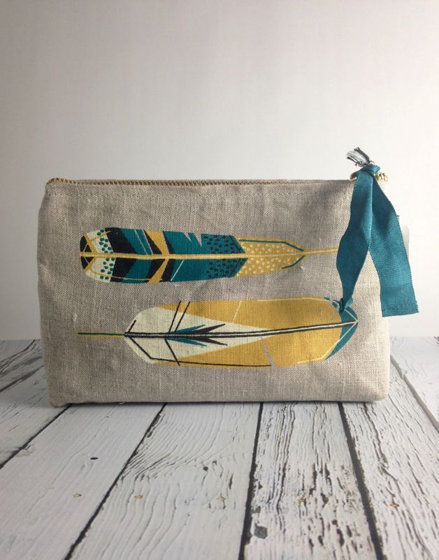 Small Linen Chirp Cosmetic Bag