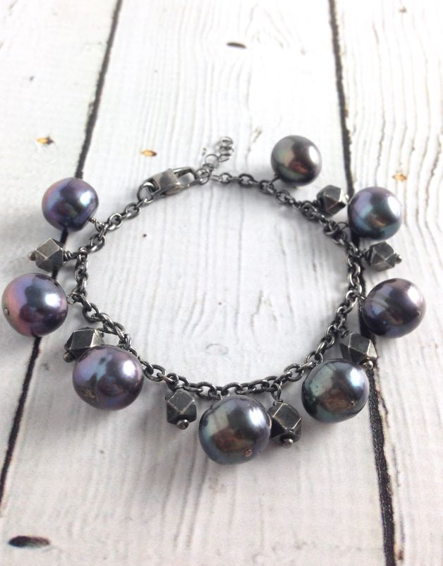 Handmade Silver Bracelet with oxidized chain, 7 large faceted silver, 8 large peacock pearls