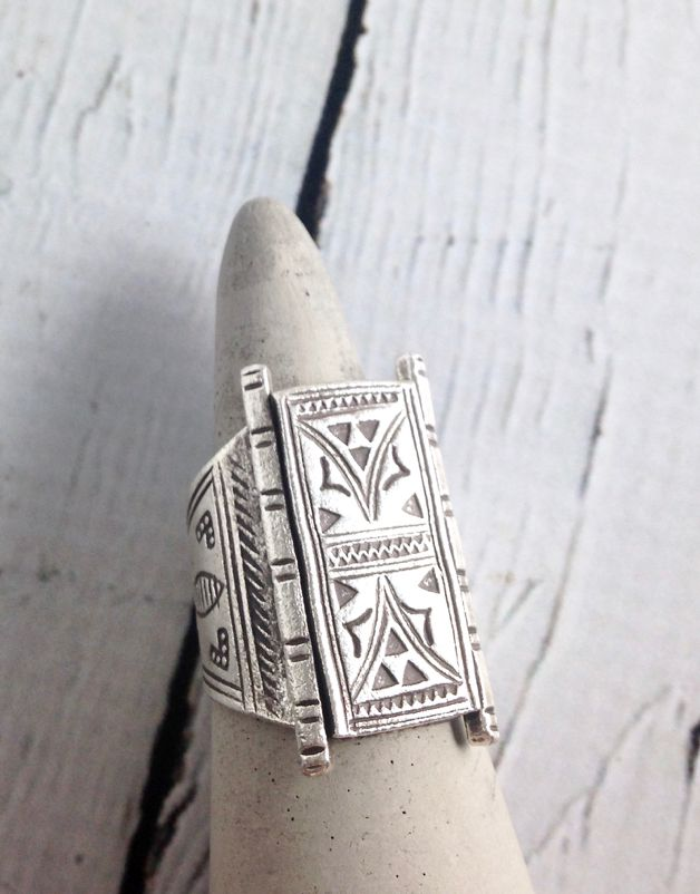 Temple Door Stamped Hilltribe Silver Ring, Size 9