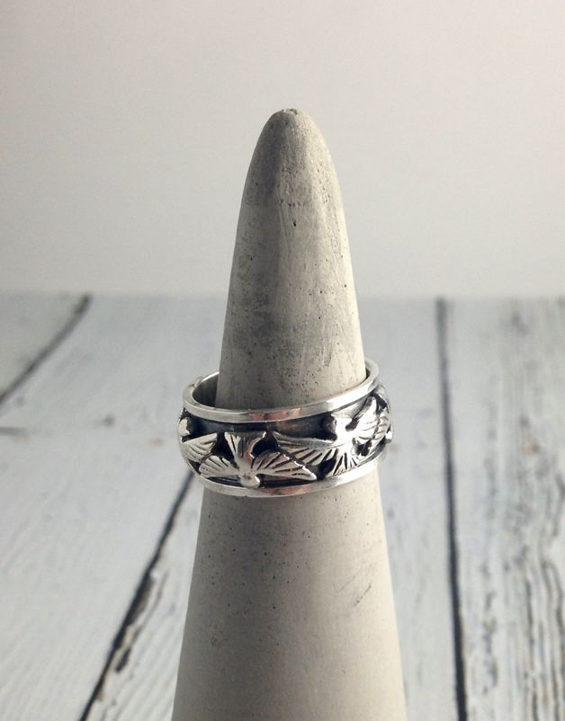 Sterling Silver Spinner Ring with Bird Design, size 9