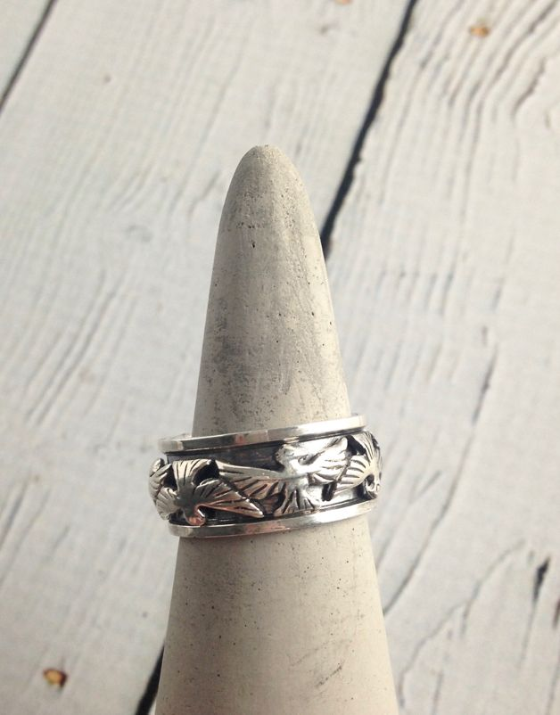 Sterling Silver Spinner Ring with Bird Design, size 8