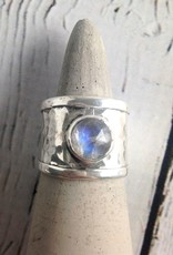 Sterling Silver Wide Hammered Band Ring with bezel-set Labradorite, Size 9