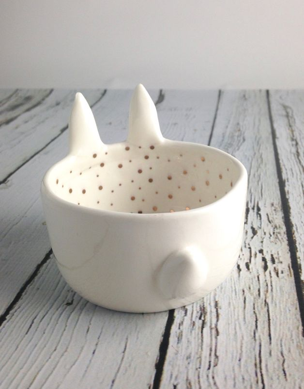 Stoneware Bunny Shaped Dish with Gold Electroplated Dots
