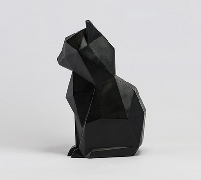 Black + Aluminium Kisa Cat Candle