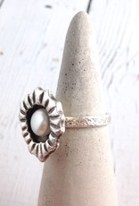 Sterling encased white freshwater pearl ring, size 8