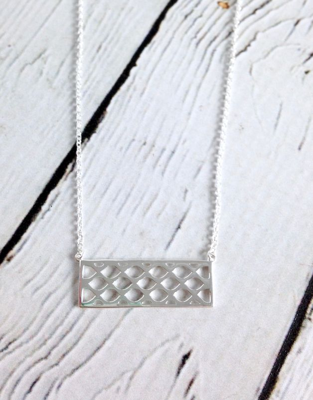 """Sterling Silver 18"""" Criss Cross Pattern Necklace"""