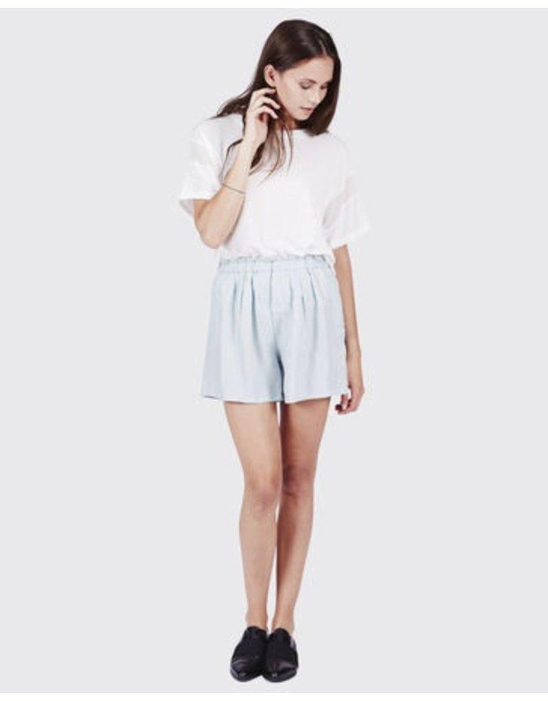 Minimum Minimum, Eria Shorts