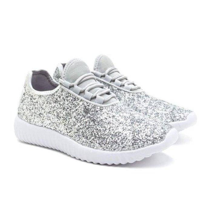 Stizz Tennis Shoes