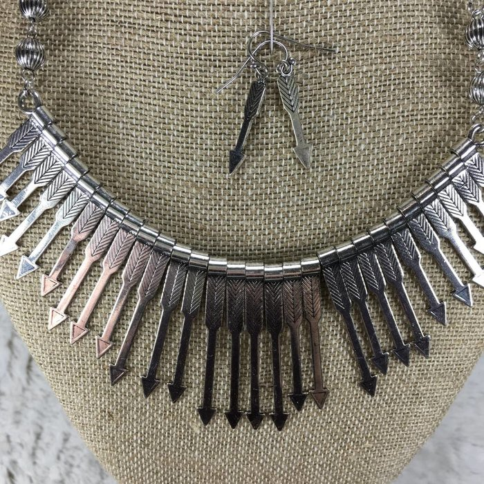 Silver Arrow Bib Necklace Set