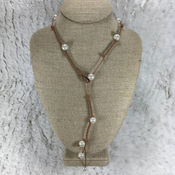 Knotted Pearls on Camel Leather Set