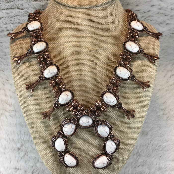 Flower Squash Necklace Set - Ivory/Bronze