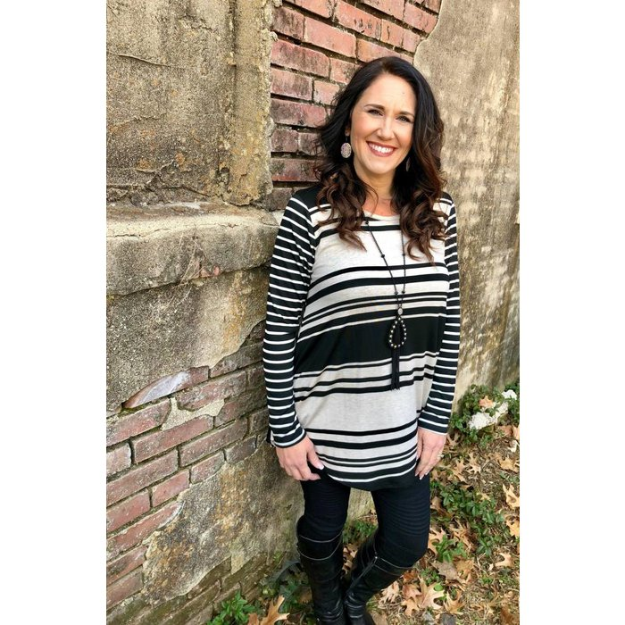 Black & White Striped 3/4 Sleeve Tunic