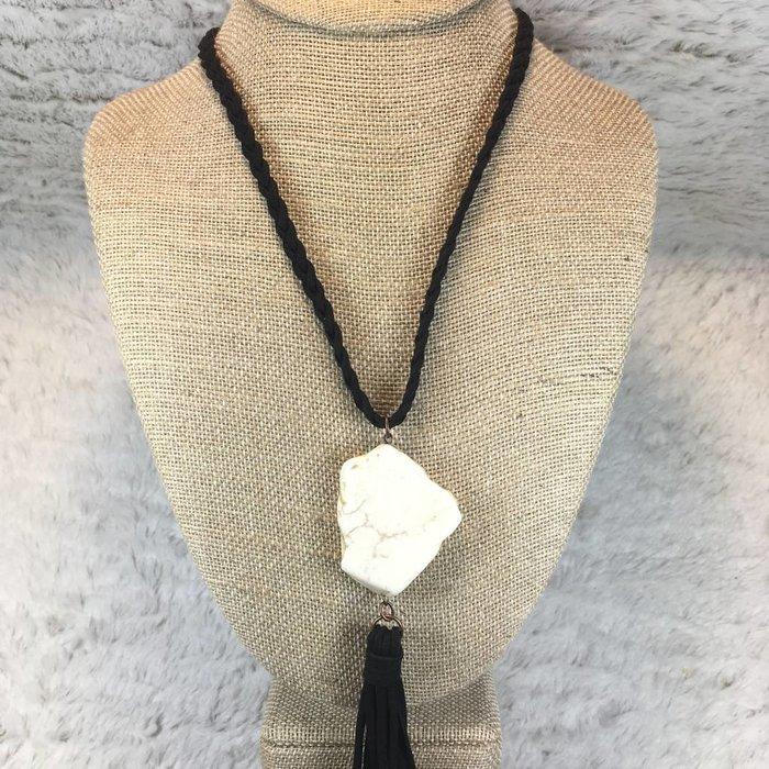 Slab Tassel Necklace - White/Blk