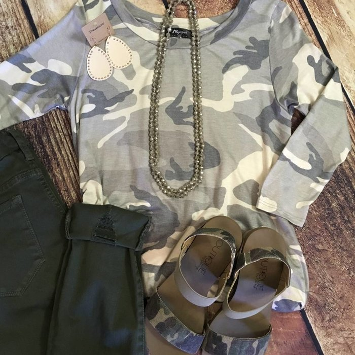 Camo 3/4 Sleeve Tunic Top