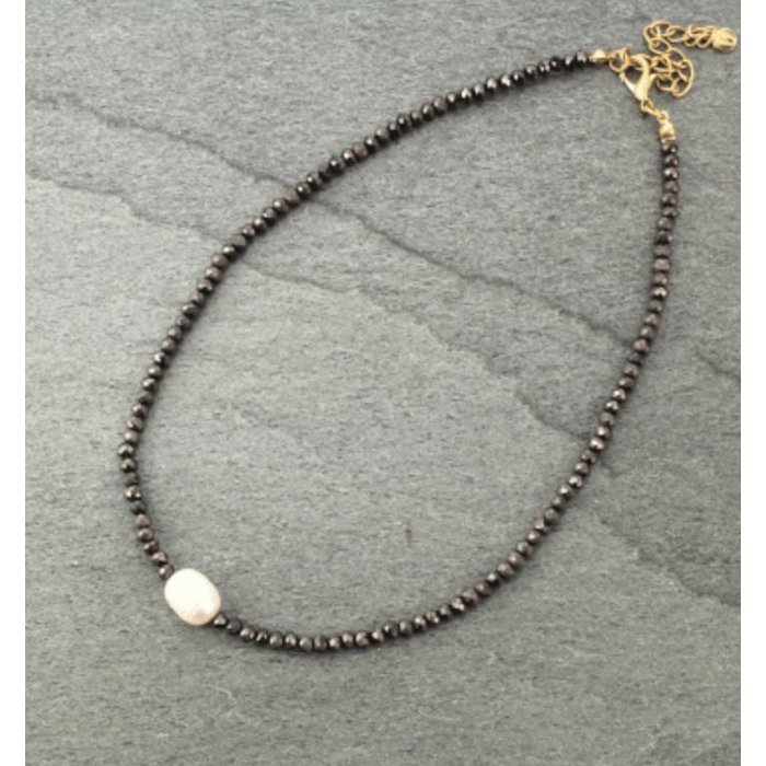 Hematite Crystal Choker with Fresh Water Pearl Necklace