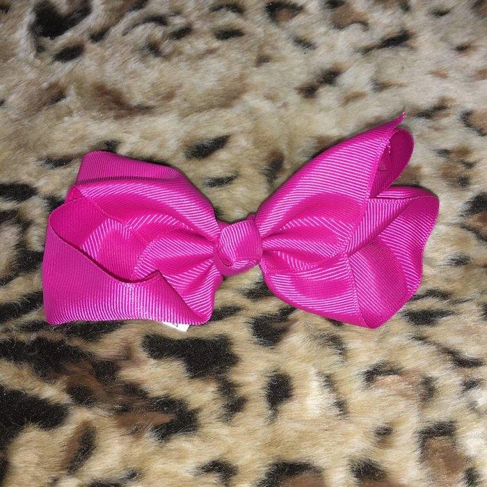 Medium Hot Pink Bow