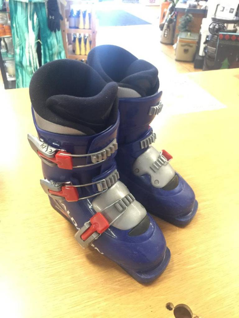 Jim Zuccaro CONSIGN Youth Salomon T3 22.0 Ski Boot