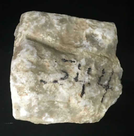 4lb Mario's White Translucent Alabaster 6x6x2 #101068