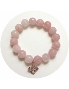 Bracelet Rose Quartz with Rose Gold Pavé Clover Pendant by Oriana Lamarca