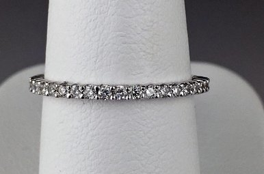 18k White Gold 1/2ctw Diamond Eternity Stackable Wedding Band Ring