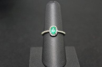 14k White Gold 1/8ctw Diamond & 5/8ct Emerald Halo Ring