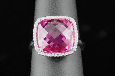 14kw 9.24ct Pink Corr (Sapph) & .11ctw Dia Fashion Ring