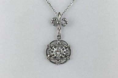 14k White Gold .27ctw Diamond Vintage Style Pendant Necklace