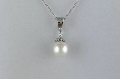 14k White Gold (June) Pearl Birthstone Necklace