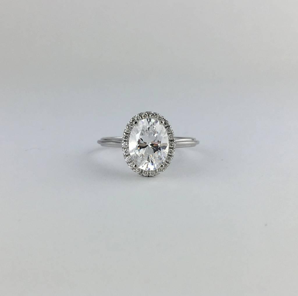 18k White Gold .15ct Diamond Halo Oval Semi Mount (9x7 CZ Ctr) Engagement Ring