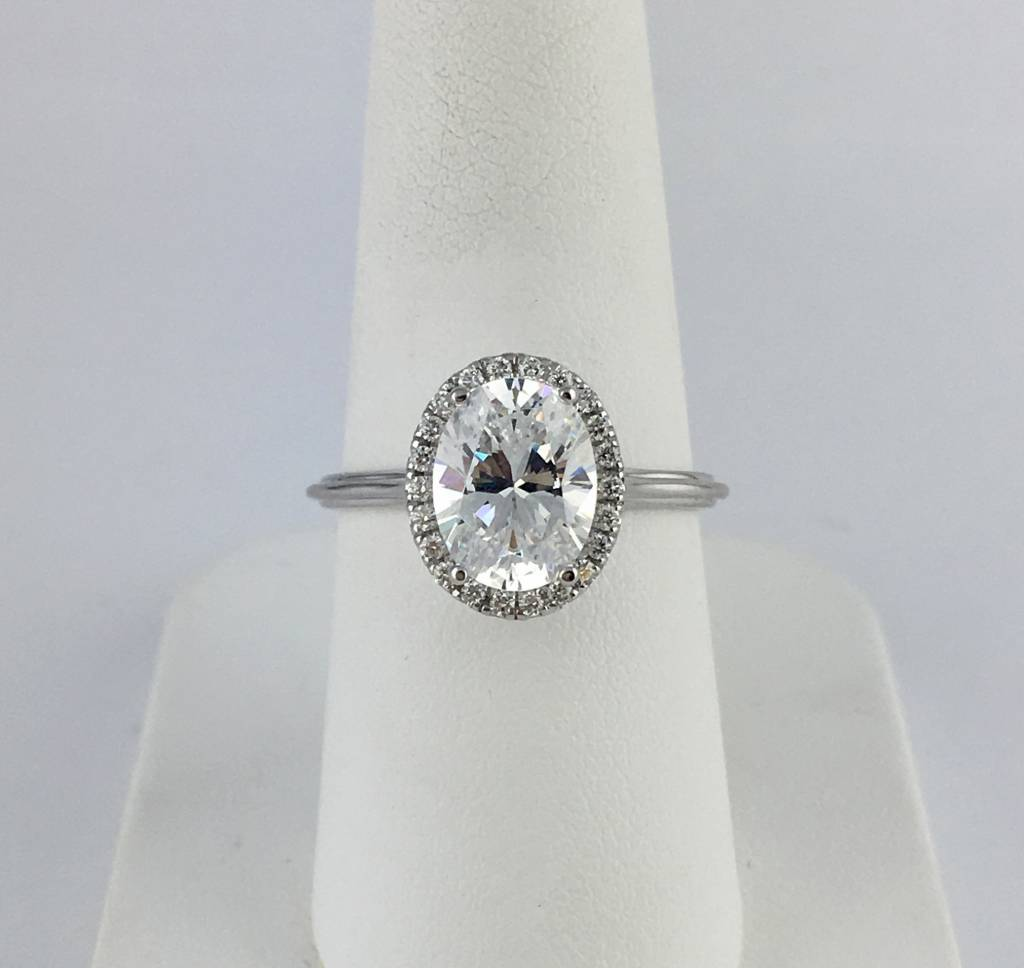 18k White Gold .15ct Diamond Halo Oval Semi Mount (9x7 CZ Ctr) Engagement Ring