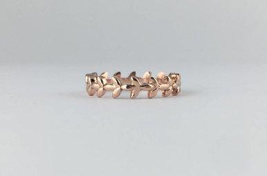 14k Rose Gold Leaf Vine Stackable Band Ring (Size 6)
