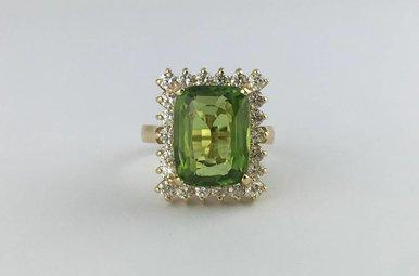 14k Yellow Gold 7.40ct Peridot 1.45ctw Diamond Vintage Estate Ring (Size 7)