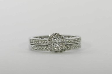 14KW 1/2CTW HALO ENGAGEMENT WEDDING SET WITH ROUND BRILLIANTS & MILGRAIN DETAIL
