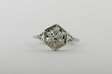 18KW .72CT-MINE (VS/K) VINTAGE FILIGREE SOLITAIRE ENGAGEMENT RING WITH OLD MINE CUT DIAMOND